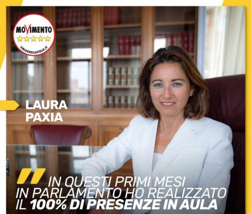 Laura Paxia Presenze Camera